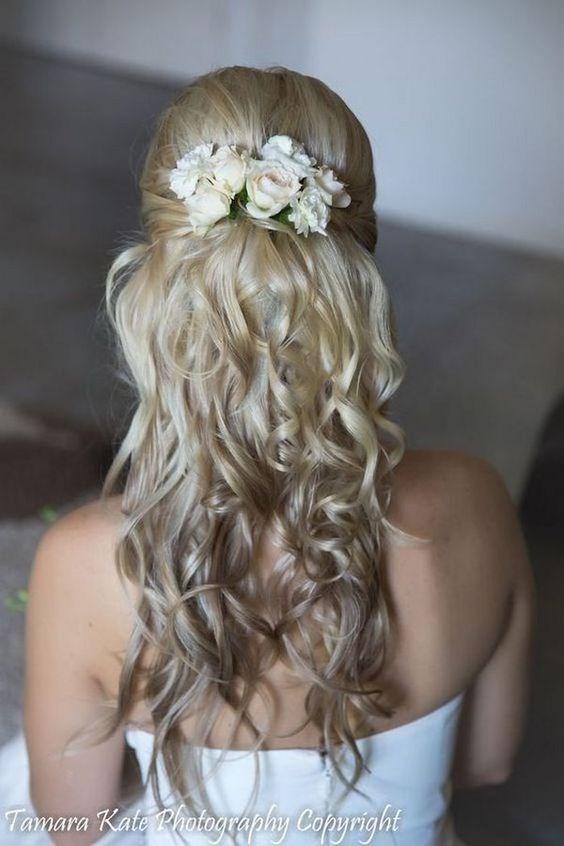 Заколки на длинные волосы фото